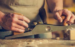 WeCommunik Man Crafting Wood 4460x4460